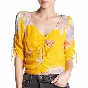 Free People. Love to love. Floral Blouse